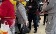 Не понравилось, что грузин оплачивал пенсионерам покупки в продуктовом магазине