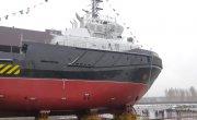 Осуществлен спуск на воду многоцелевого буксира-спасателя «СБ-737» проекта 02980 (ПС-45), стр. 804.