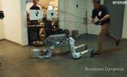 Пародийное видео о роботах Boston Dynamics. Версия с той самой озвучкой