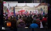 Поляки вышли защищать СМИ от нападок власти