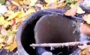 Что будет если бросить камень в заброшенный нефтяной вал