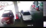 Вспыхнул салон машины на АЗС, 7-летний ребёнок госпитализирован