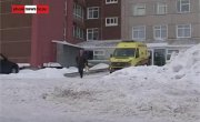 Тракторист утромбовал девочку в снежной пещере