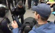 """Как в Париже не получилось. Полиция разогнала """"кандидатов"""" в МГД"""