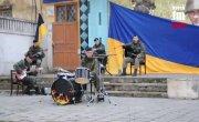 В Керчи украинские морпехи дали концерт под открытым небом